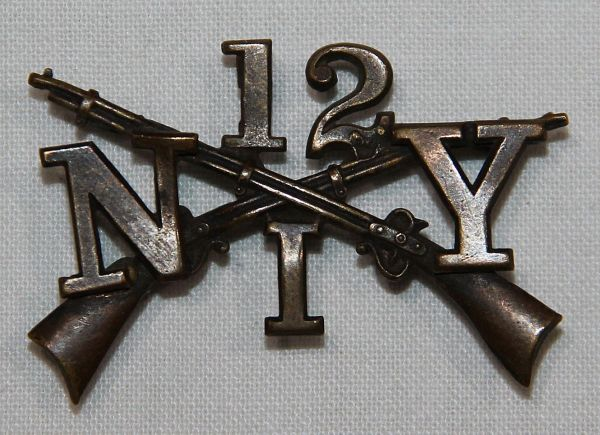 A039. S.A.W. - EARLY 1900'S SEW ON 12TH NEW YORK INFANTRY COLLAR INSIGNIA