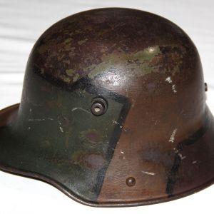 B192. WWI GERMAN SIZE 60 CAMOUFLAGE M16 COMBAT HELMET
