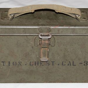 E255. EARLY WWII M1A1 30 CALIBER AMMUNITION CHEST