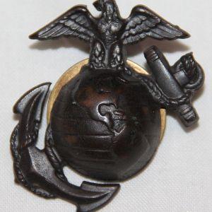 H079. WWII USMC EM VISOR CAP EGA INSIGNIA