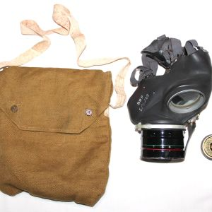 E274. WWII BRITISH CIVIL DEFENSE GAS MASK WITH BAG AND ANTI DIM
