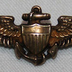 """H102. WWII USN 1 9/16"""" H&H USN PILOT WING"""