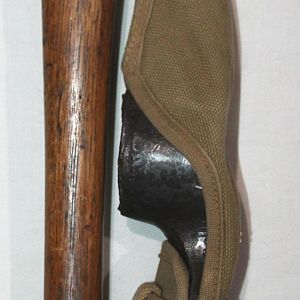 B241. WWI 1918 DATED PICK MATTOCK WITH BELT CASE