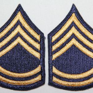 S124. KOREAN WAR NON COMBATANT SERGEANT 1ST CLASS CHEVRONS