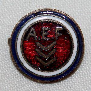 B254. WWI AEF 1 1/2 YEARS OVERSEAS SERVICE LAPEL PIN
