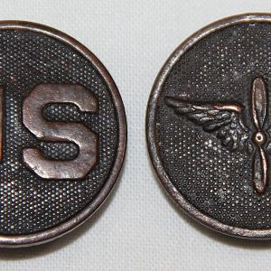 B255. WWI US AND AIR SERVICE ENLISTED COLLAR DISK INSIGNIA