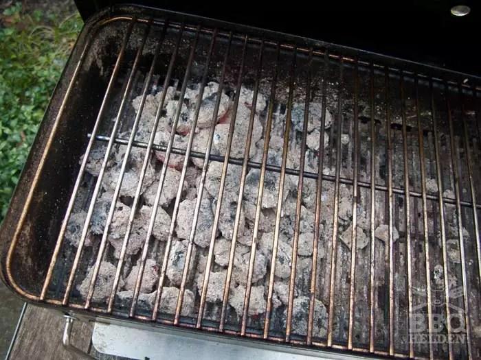 house-of-charcoal-briketten-brandtijd