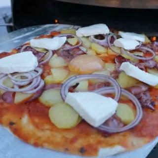 Pizza mit Kartoffeln & Speck