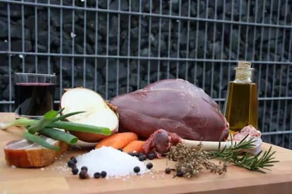 Zutaten für die Kitzkeule aus dem Dutch Oven!