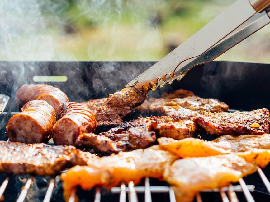 Gas Grills vs Pellet Grills vs Charcoal Grills: Key Features to Consider