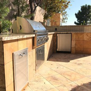 42 Inch Lynx Sedona Professional Built-in Barbecue Grill with Outdoor Refrigerator, Trash Bin, and Double Access Doors