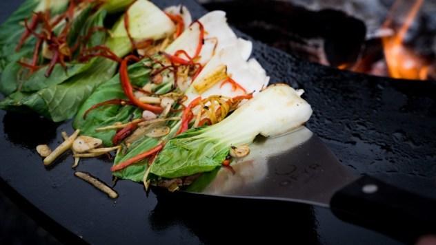 Gemüse von der OFYR Feuerplatte ist immer wieder ein Highlight