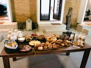 Terpboerderij Stilleven - ontbijt met streekproducten