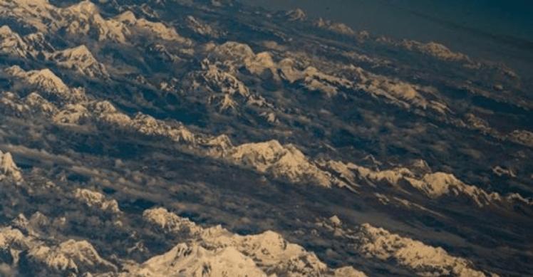bilder aus dem Flugzeug von Tibet nach Kathmandu 2015 - 1 Tag nach dem zweiten Erdbeben.