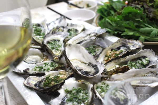 Fresh Tongyeong oysters with Seoyoung's mignonette