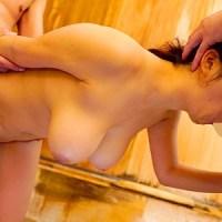 後藤里香23歳 垂れ爆乳JD『温泉で彼氏がいない隙に痴漢師2人にパイズリされながらハメられた推定Iカップ巨乳女』