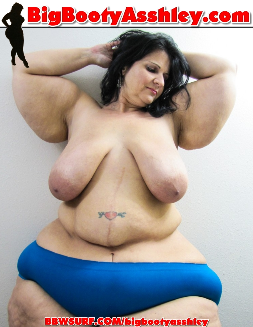 My bbw round belly is so full after diner i need to lie down 10