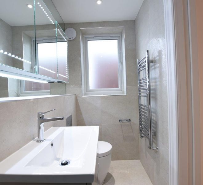 High end en suite bathroom design in London
