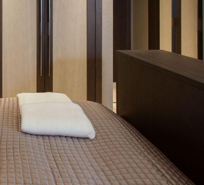 Bespoke joinery in the bedroom in Paris