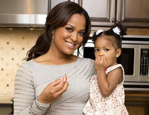 LAILA ALI AND DAUGHTER GET 'CHOPPED' FOR CHARITY