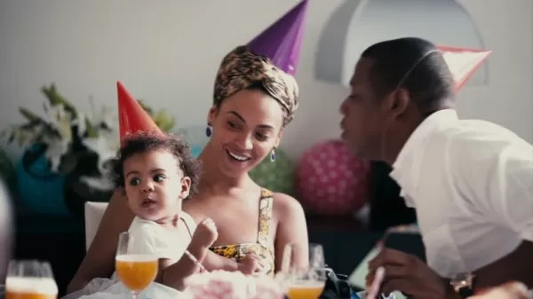 BEYONCE REVEALS TOUCHING FAMILY MOMENTS IN LEMONADE