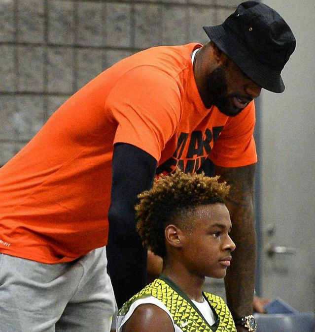 LEBRON JAMES SUPPORTS HIS SONS AT 2017 USBA NATIONAL