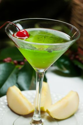 Green_Appletini_close-up-2_lg