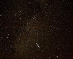 Sporatic Meteor through Cygnus