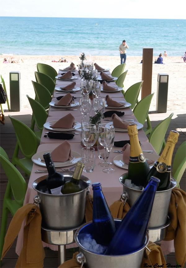 restaurante pie playa barcelona mesa