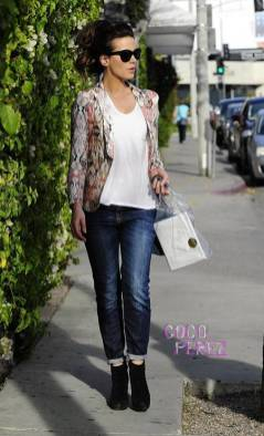 kate-beckinsale-shopping-melrose-ave-los-angeles__oPt