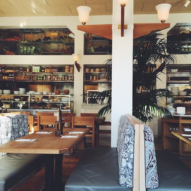 flax and kale restaurante sala