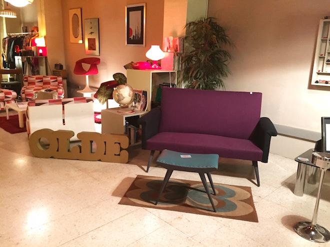 360 art community sofa deco