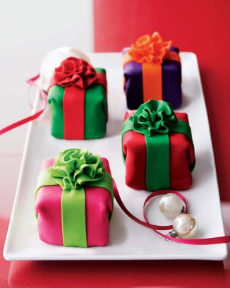 Mini Holiday Cheesecakes from Horchow