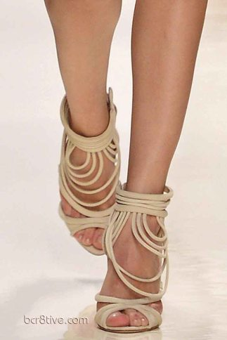 Valentin Yudashkin Spring 2014 - Looped Shoes