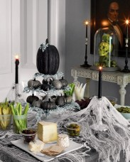 Hallween Decorated Tablescape