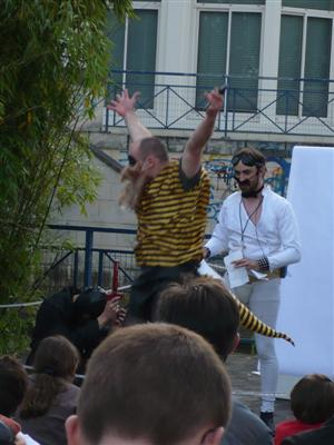 L'abeille du Poitou et son dard !