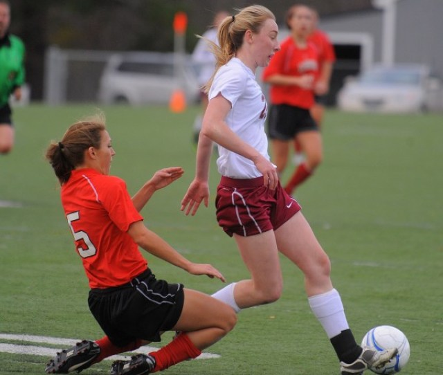 Bangor Girls Soccer Players Look Forward To Reuniting At Umaine This Fall Sports Bangor Daily News Bdn Maine