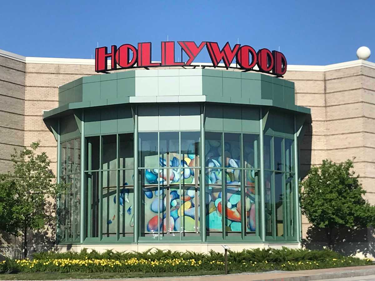 Hollywood casino oxford maine casino games big six wheel