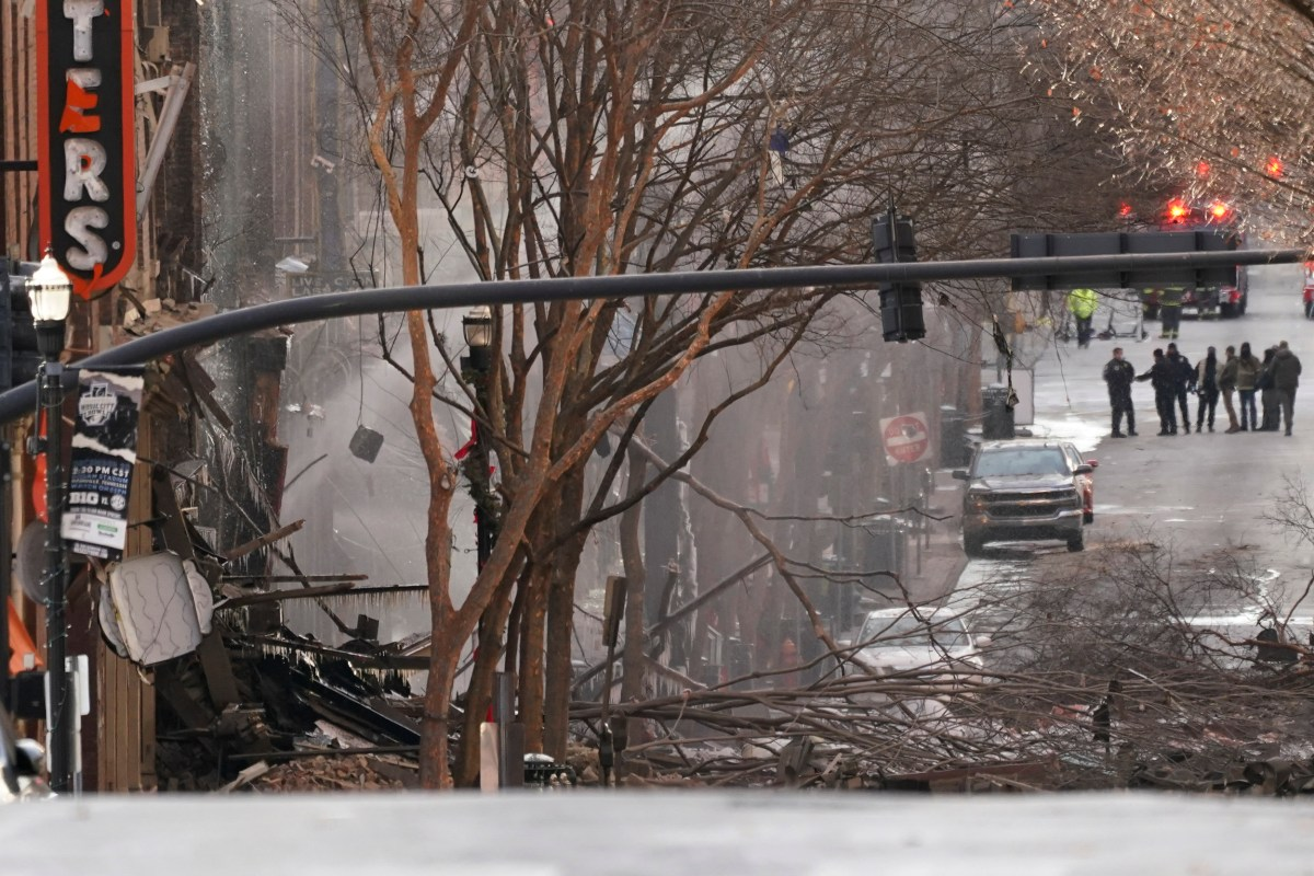 Suspicious Blast Wounds 3 In Nashville On Christmas Morning