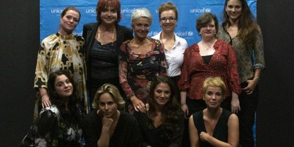 Híres édesanyák és lányaik vallottak az önbizalomról a Radnóti Színház, a Líra Könyv Kiadócsoport és az UNICEF Magyarország jótékonysági estjén
