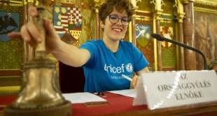 Fiatalok vették át az irányítást, konferencia Budapesten, gyerekjogok a fókuszban