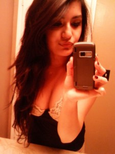 Cute-Indian-College-Girl-Cleavage-Selfshot-Pics-4-600x800