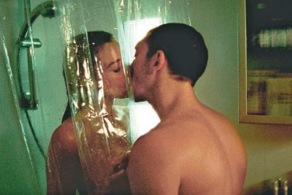 """Love shower"": Τι παραπάνω προσφέρει στο σ3ξ; - SEX"