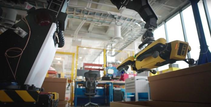 boston dynamics stretch spot robots