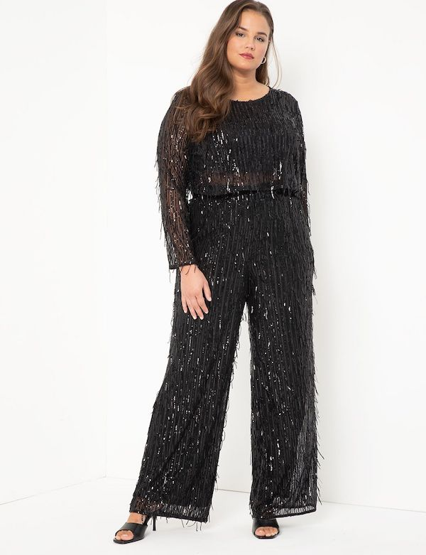 A model wearing a plus-size black sequin matching set.