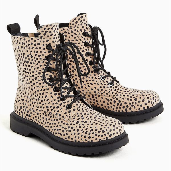 Wide-fit ankle boots in leopard faux leather.
