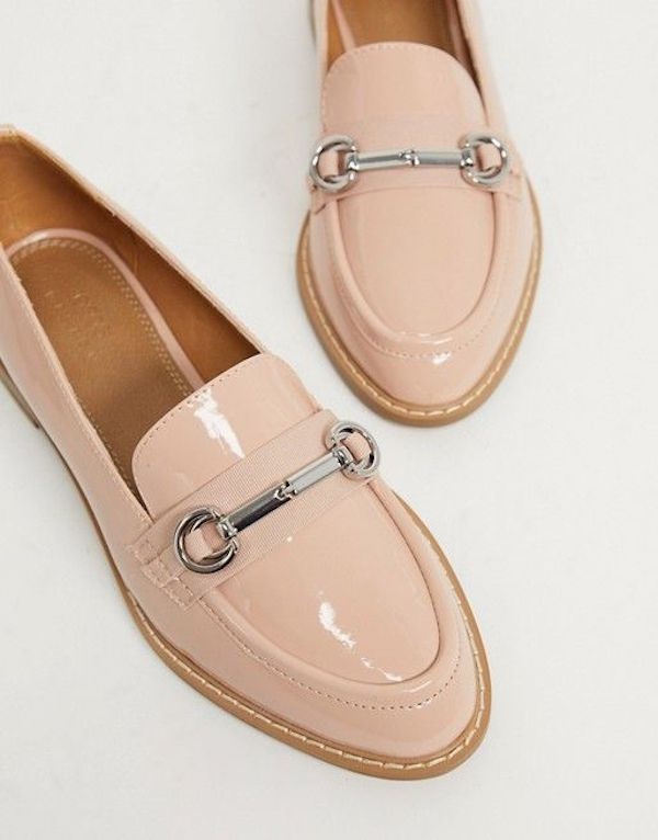 Wide-fit loafers in light pink.