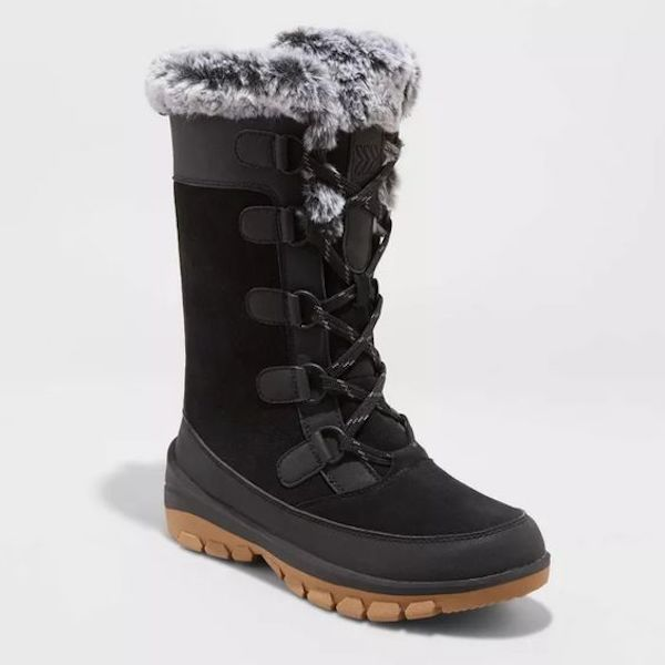 Wide-fit snow boots in black and gray.