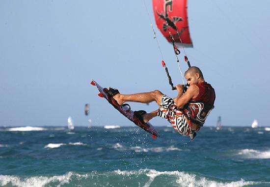 kite-surfer-cabarete-1