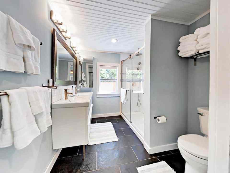 Beach Cottage Hideaway - Delray Beach Florida - Shades of Blue Coastal Decorating Ideas